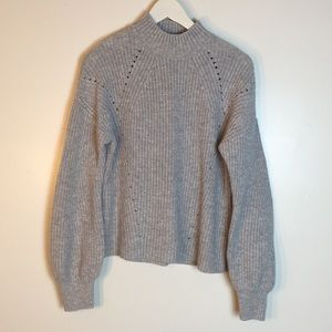 GAP like new women sweater size M